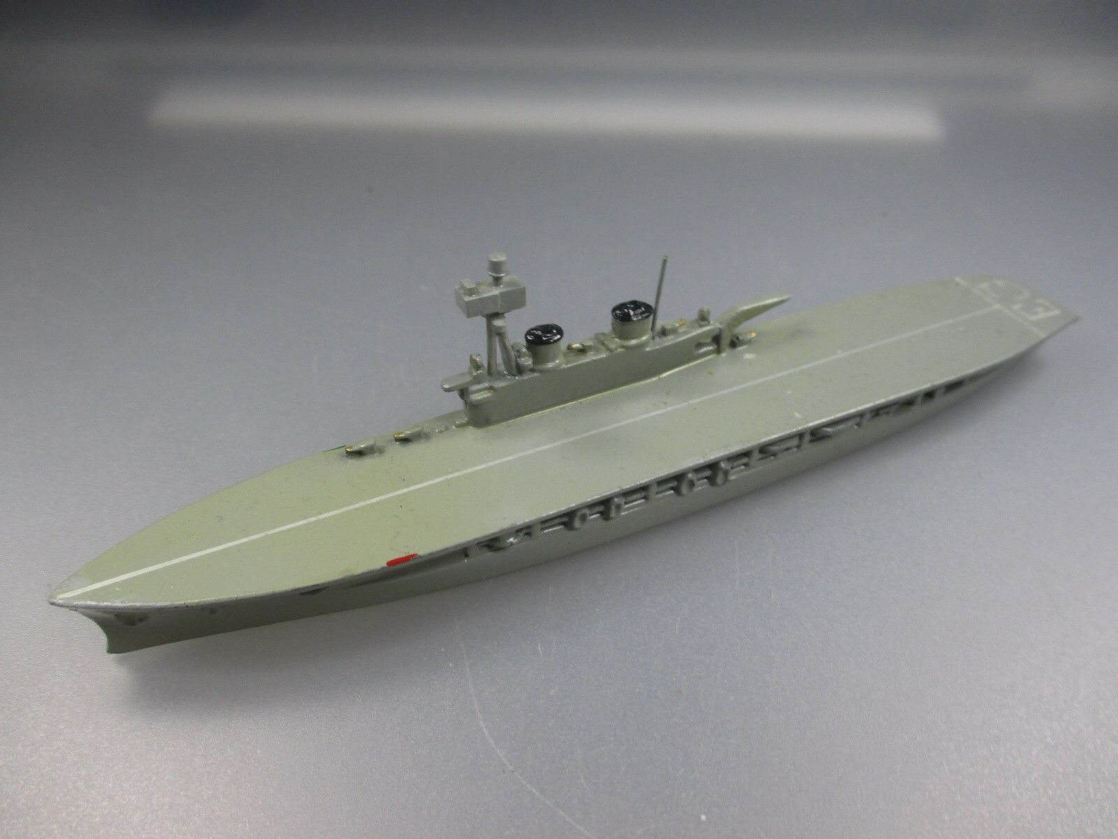Wiking  aircraft carriers  eagle , eg hds dimension, grey-sand (nh7) no. 11