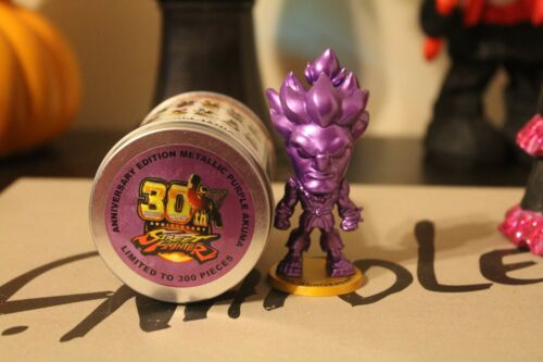 Cryptozoic Street Fighter Lil K.O Métallique Violet Akuma NEW YORK COMIC détenu 2018 limited edition 300