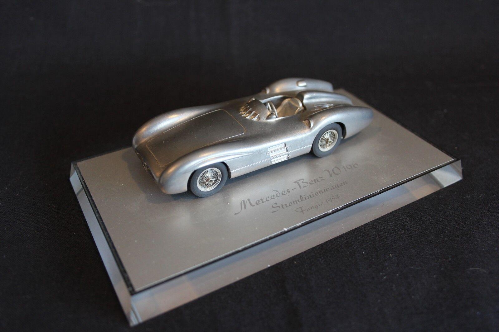 AMR Mercedes-Benz W196 Stromlinienwagen 1954 1:43 Juan Manuel Manuel Manuel Fangio  ARG   JS  e805f0