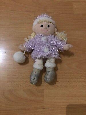 Tesco Bambola Di Pezza Giocattolo Morbido Con Viola Cappotto, Cappello & Glitter Palla Di Neve-mostra Il Titolo Originale