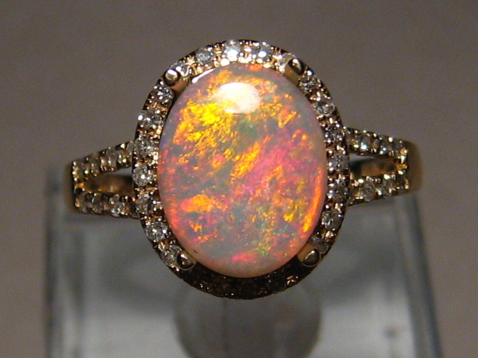 100% Natural Red  Australian Opal  & Diamond Ring 14k Yellow gold