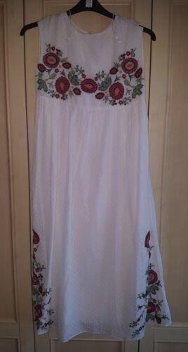 Blanc Brodée Plumetis De Robe Xs Bnwt Zara Col Taille Bateau BYw00qa