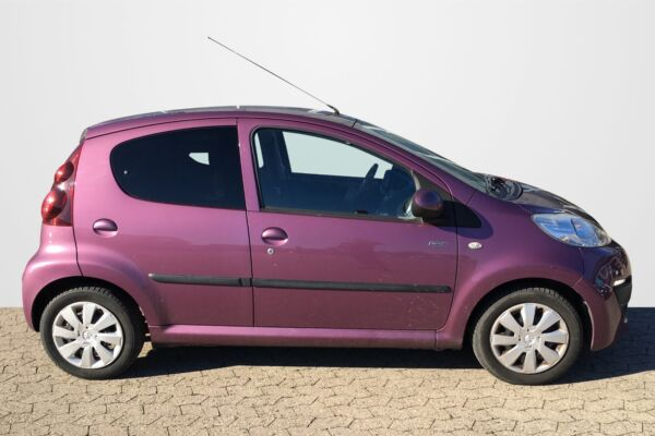 Peugeot 107 1,0 Sportium - billede 1