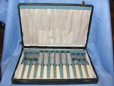 Vintage Old Set Of Fish Knives And Forks In Case Sheffield Stainless Cutlery Set