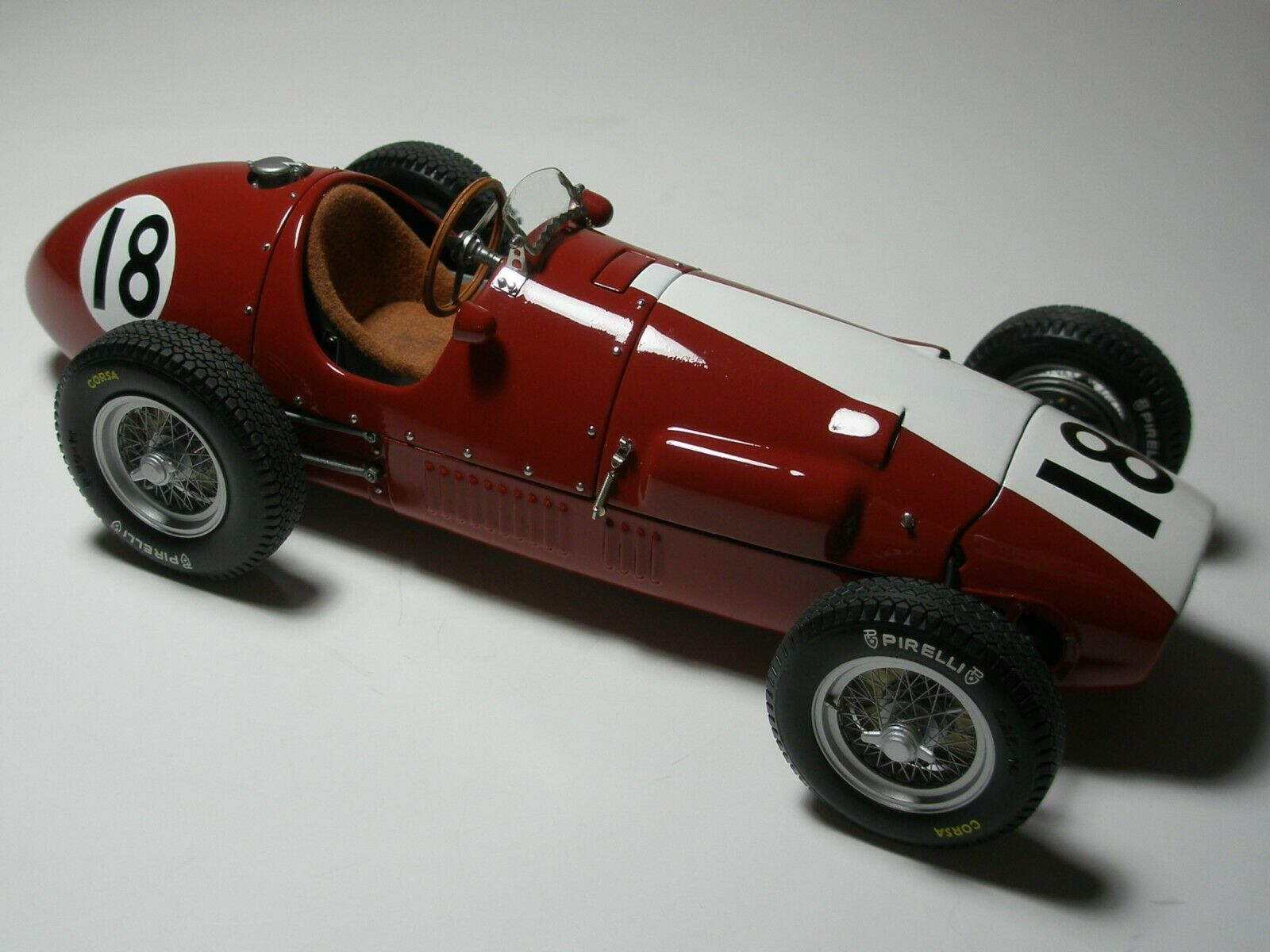 1 18 F1 EXOTO  FERRARI 1952 - RUDI FISCHER