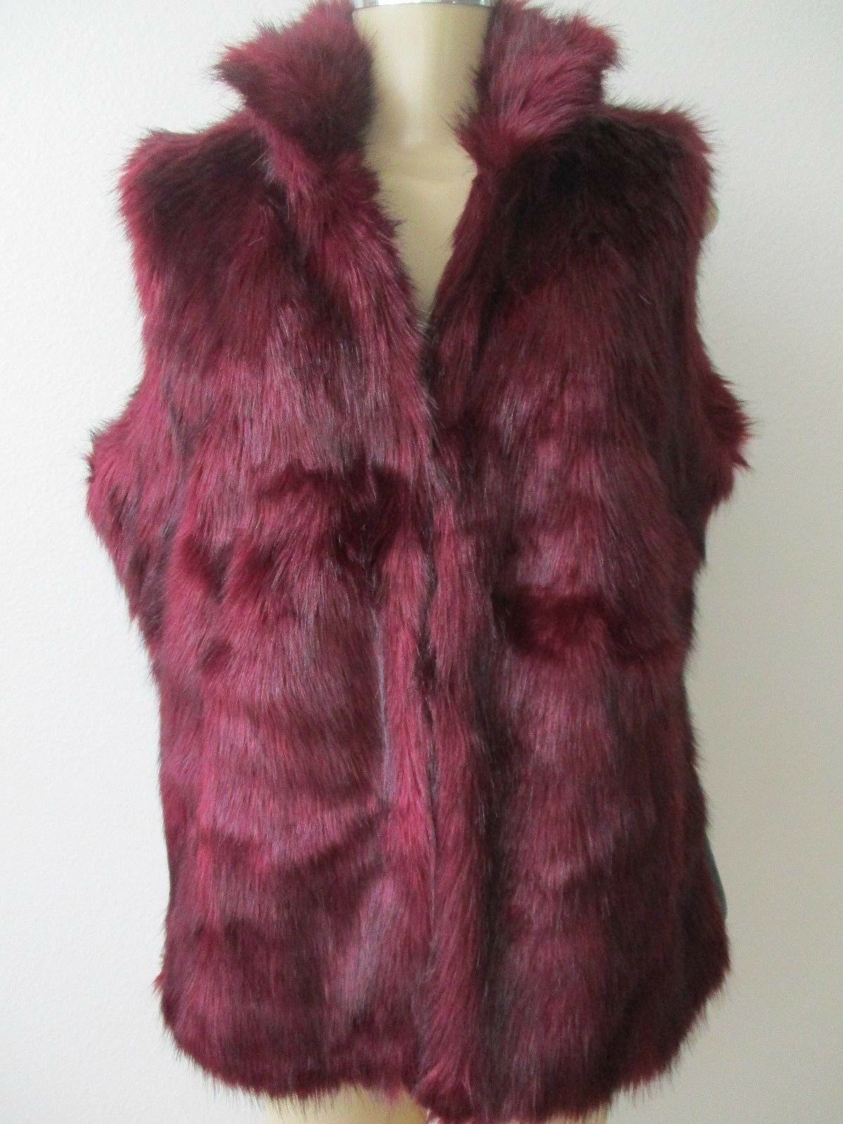 G  BY GIULIANA RANCIS BURGUNDY FAUX FUR SLEEVELESS VEST SIZE M - NWT