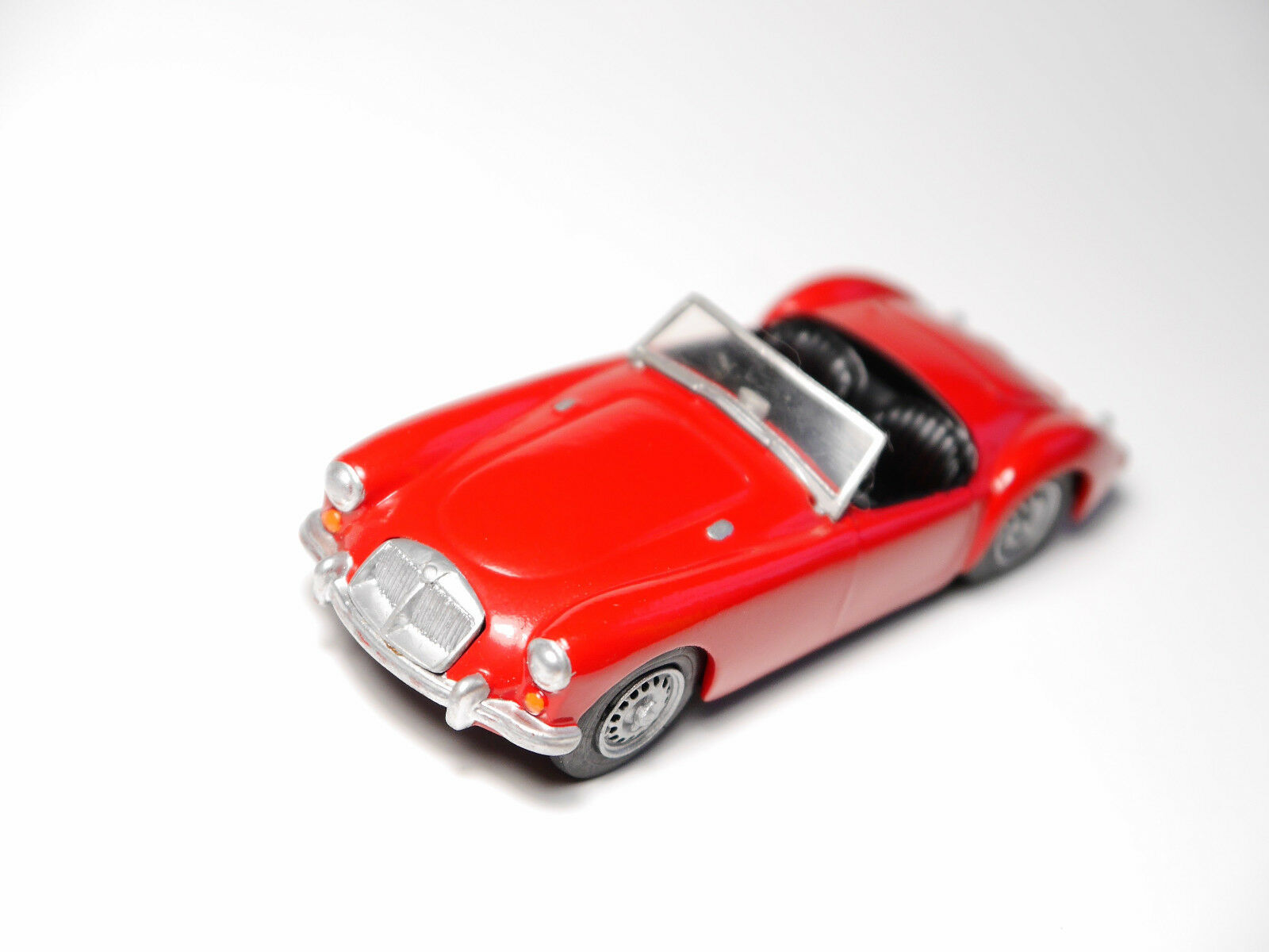 MGA MG-A Roadster en Rouge Rouge rouge, à la main handmade ACE Car Kits en 1 43