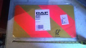 DAF-FBU4515-Cote-Droit-Arriere-Camion-Chevrons-Reflecteur