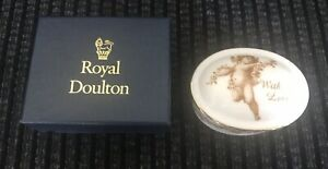 Royal-Doulton-With-Love-Cherub-Oval-Trinket-Boxed