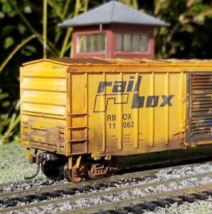 Athearn-HO-Railbox-50-039-Weathered-boxcar-metal-wheels-rtr-series