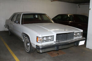 1985 MERCURY GRAND MARQUIS - WHITE with RED INTERIOR - 4 DOOR