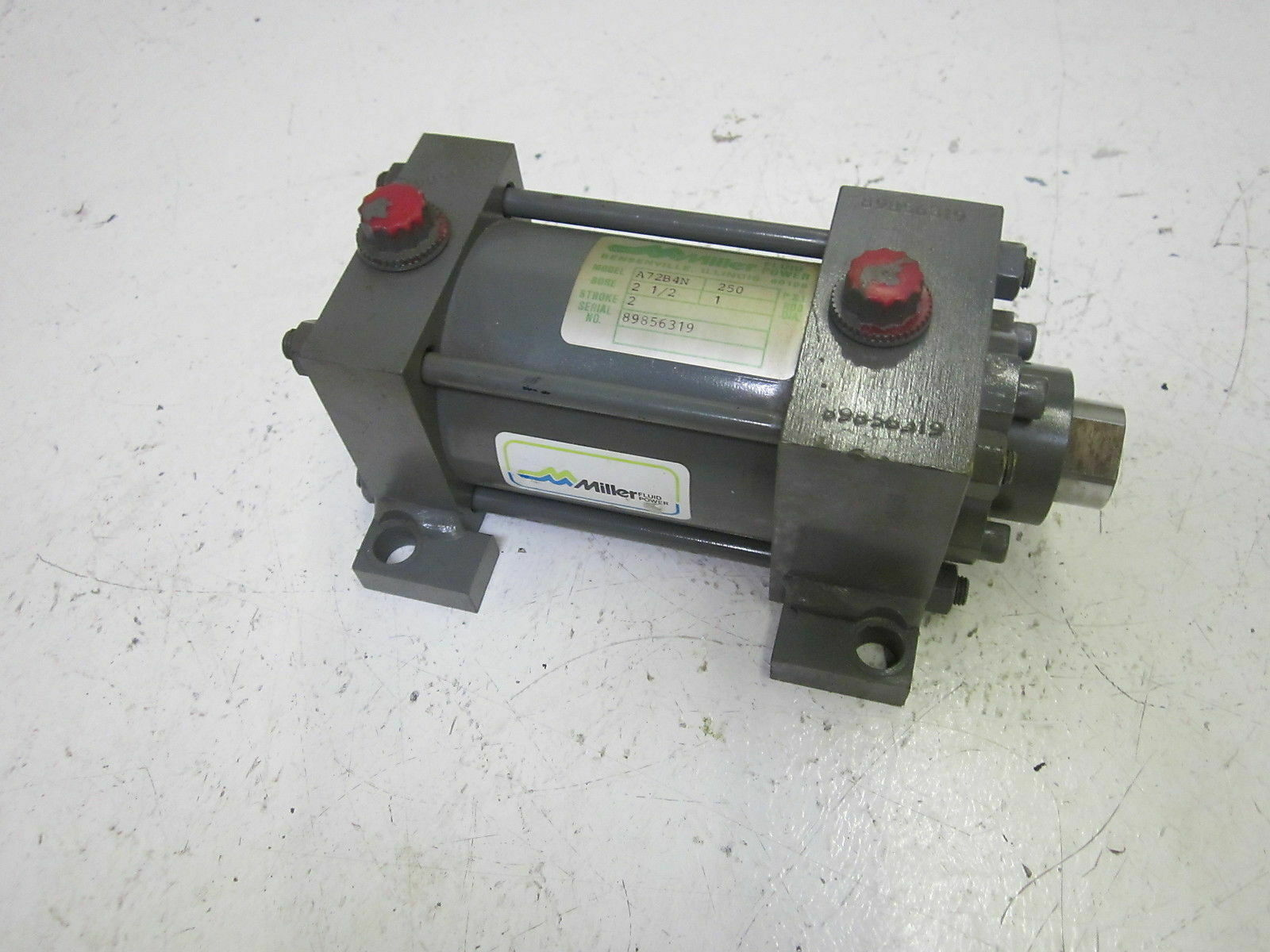 MILLER FLUID POWER A72B4N CYLINDER 250PSI USED