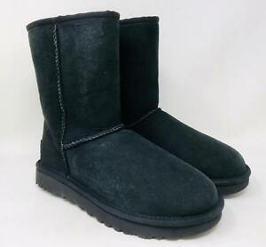 e898b8745dbb UGG Women s Classic II Genuine Shearling Lined Short Boots Size 5 ...
