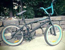 Item 1 ABD PLAYER 2 BMX BIKE