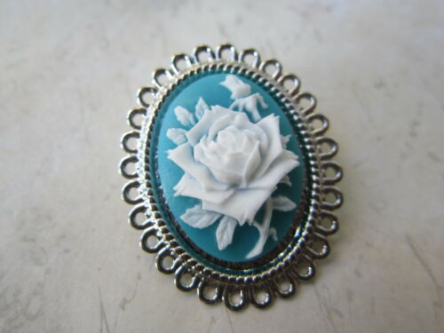 Stunning 3D Teal /& White Resin Rose Cameo Brooch New in Gift Bag Valentines