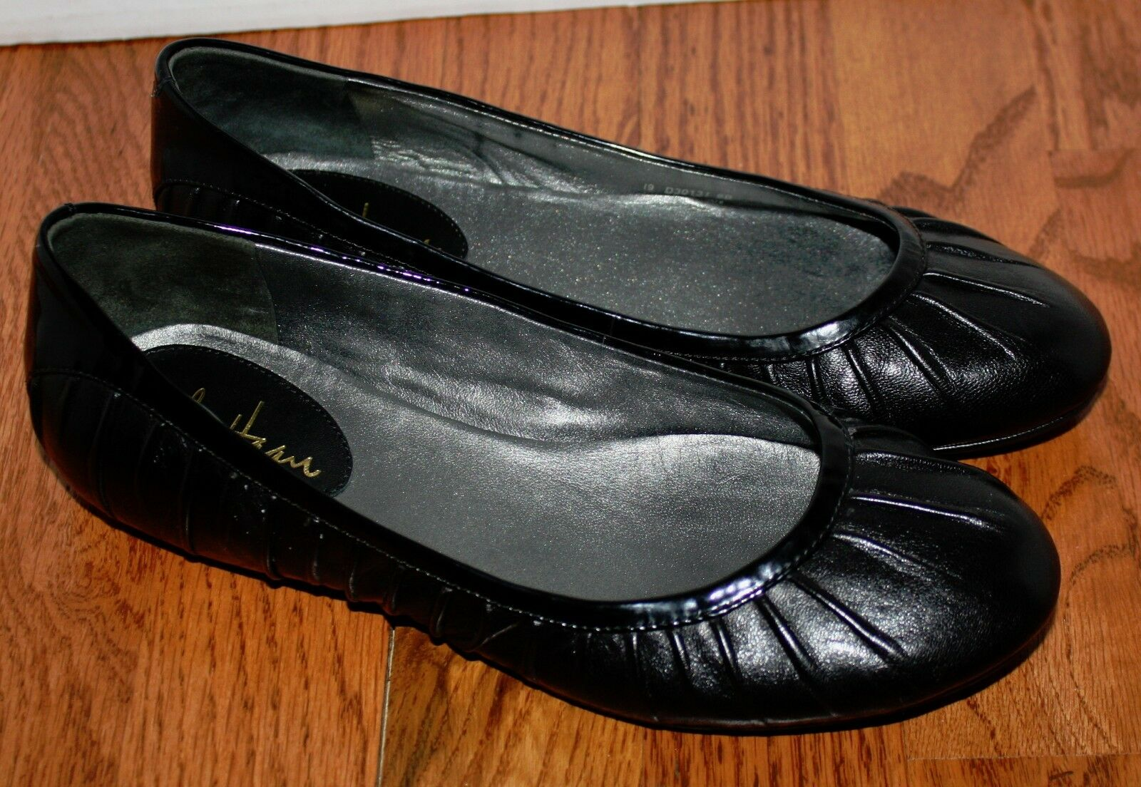 Womens Cole Haan Black Leather Flats shoes Size 6 B