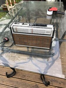 Vintage RETRO 1970s GEC STARFINDER III Portable Radio MW LW SW NEEDS NEW AERIAL