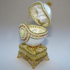 Boite à bijoux oeuf musical en coquille avec camée inspiration Faberge OEUF