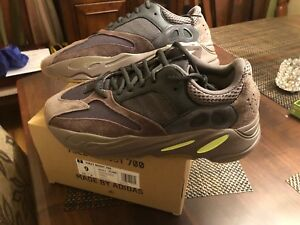 3b0e4c0ca79 Image is loading Adidas-Yeezy-Boost-700-Wave-Runner-Mauve-Size-