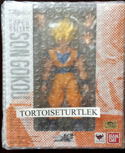 BANDAI Dragon Ball S.H.Figuarts Super Saiyan Son Goku Action Figure Gokou