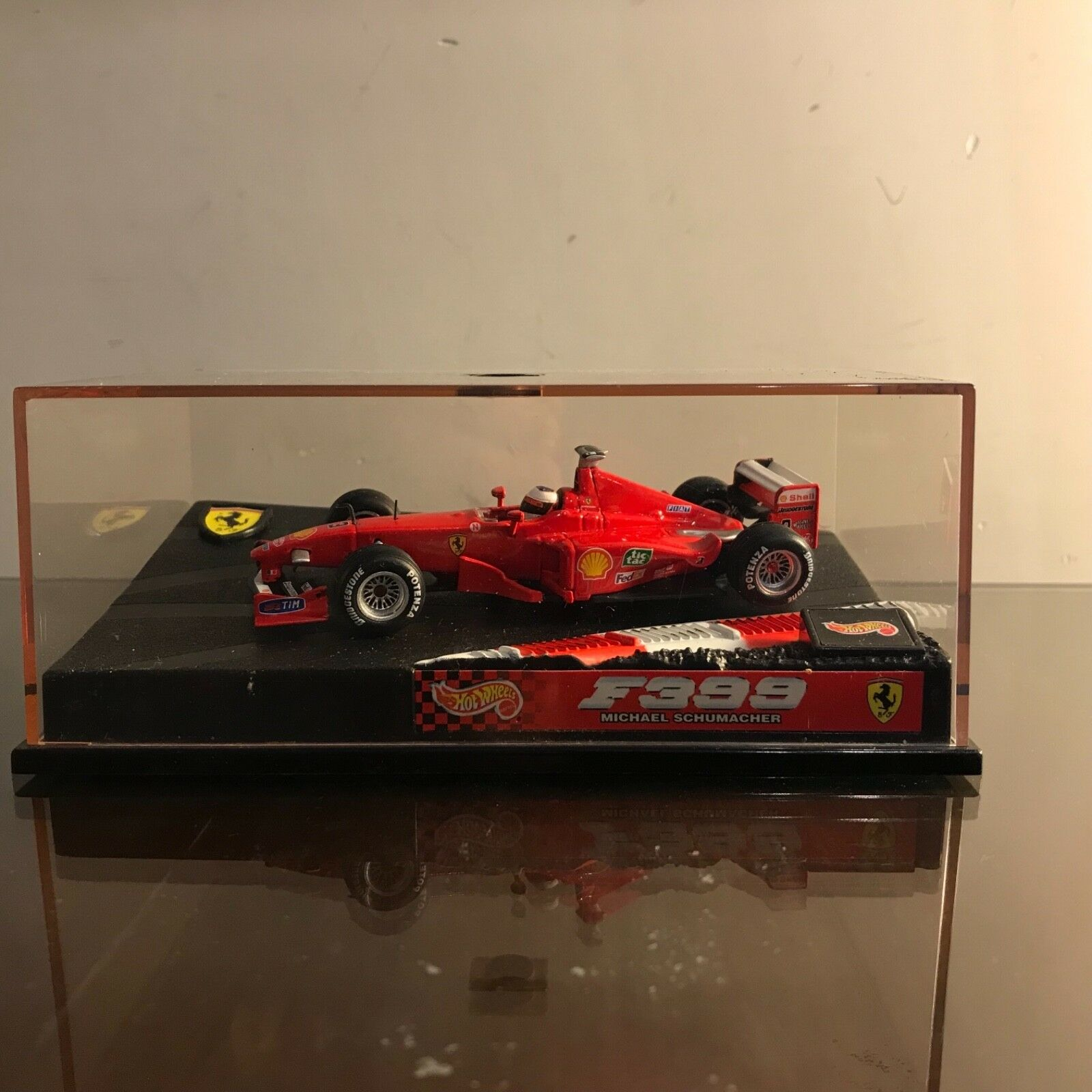 Hot Wheels Scuderia Ferrari 1 43 F399 Micheal Schumacher