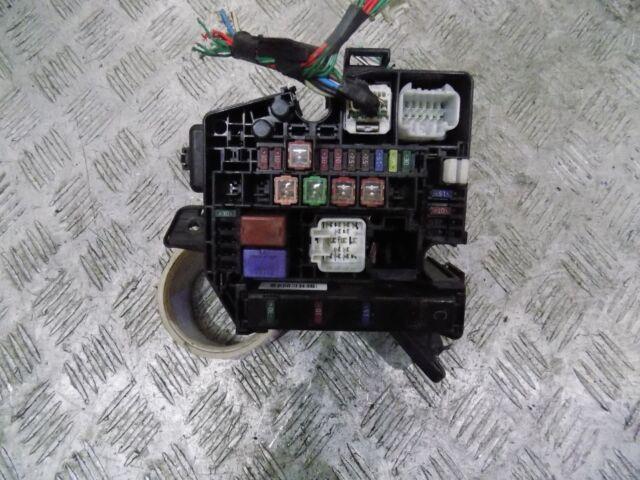 TOYOTA YARIS 1.3 Benzina 2006 2007 2008 2009 2010 2011 Scatola dei fusibili 82641-47020