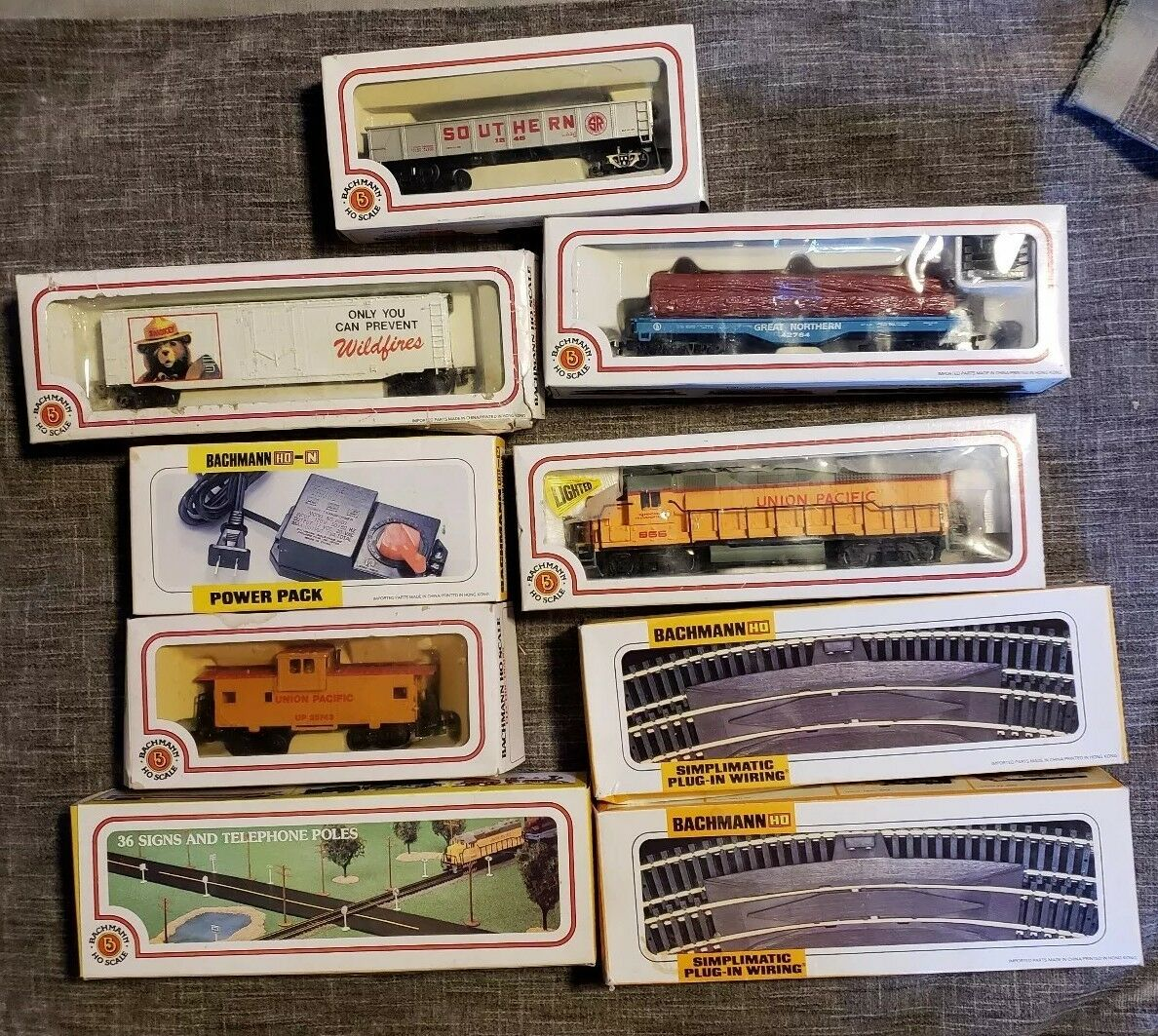 BACHMANN  SCALE UNION PACIFIC 866 with Rails and more