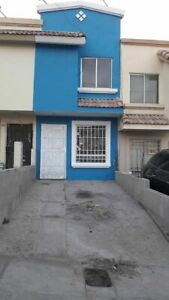 Casa en Urbiquinta del Cedro recién restaurada, aplica credito bancario