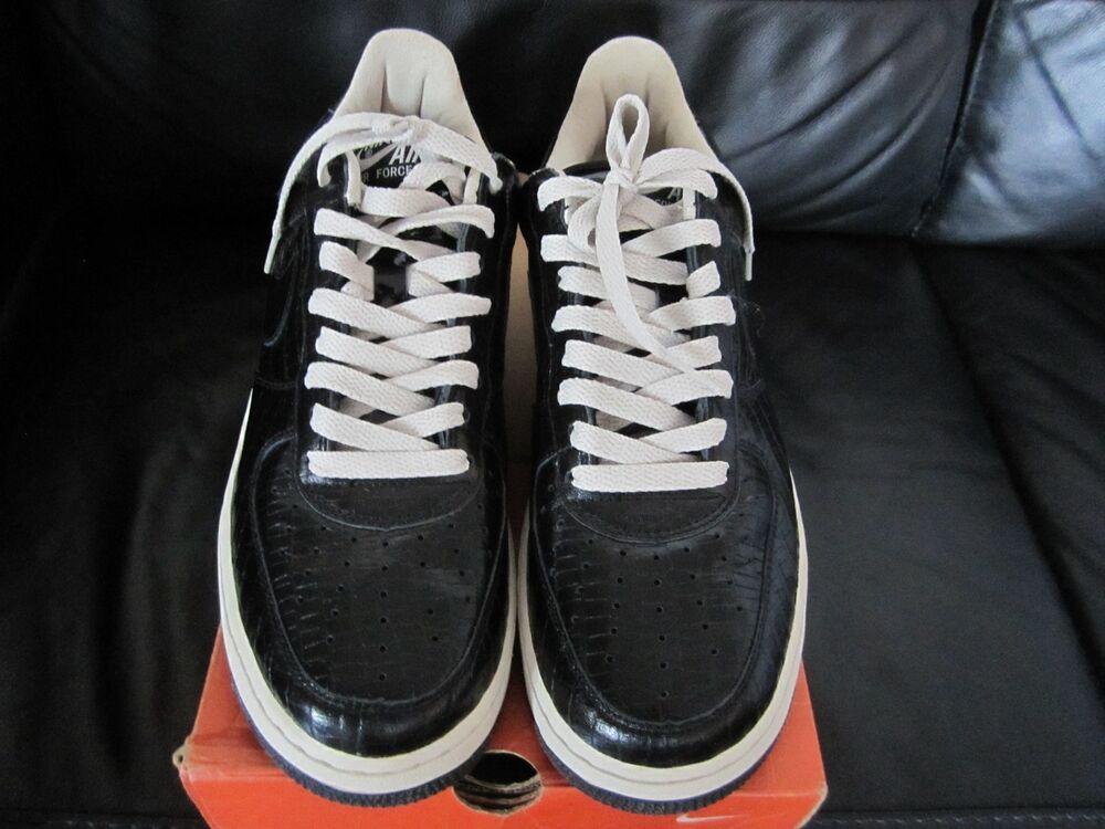 Nike D.S 2004 H. T.M Air Force 1 Supreme Taille 8 Brit/U.S.A 9 noir Croc Patent.-