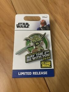 Disney-Star-Wars-May-The-4th-Be-With-You-Yoda-PIN-2020-Limited-Edition-In-Hand