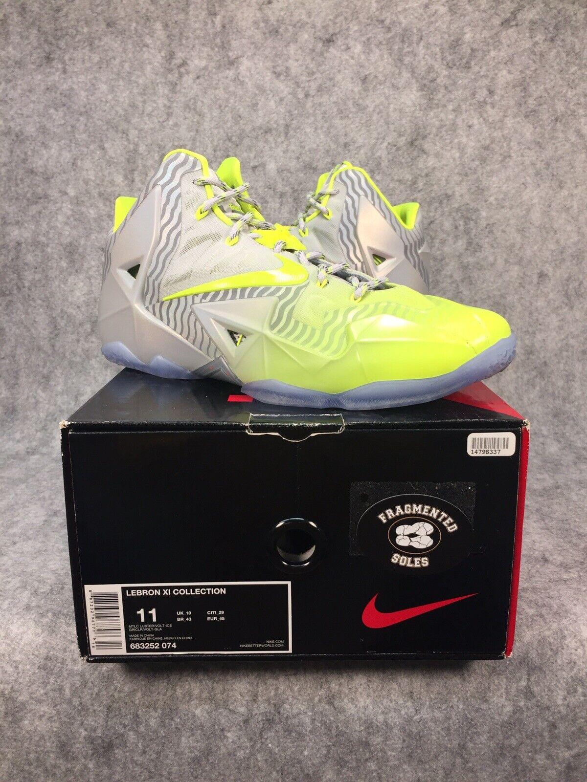 Nike Lebron 11 Maison Du Mens Basketball shoes Size 11 Original Box VNDS