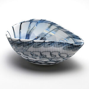 "HOME DECOR - MURANO GLASS DECORATIVE SHELL BOWL - WHITE / BLACK - 7"" x 4.5"""