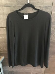 Authentic-Chanel-black-wool-cashmere-sweater-size-42-made-in-France