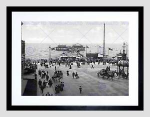 BLACKPOOL-THE-NORTH-PIER-ENGLAND-OLD-BW-BLACK-FRAMED-ART-PRINT-B12X1031