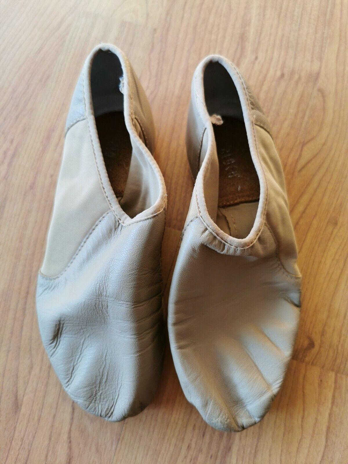 Dance Nude Split Sole Shoes Size 4