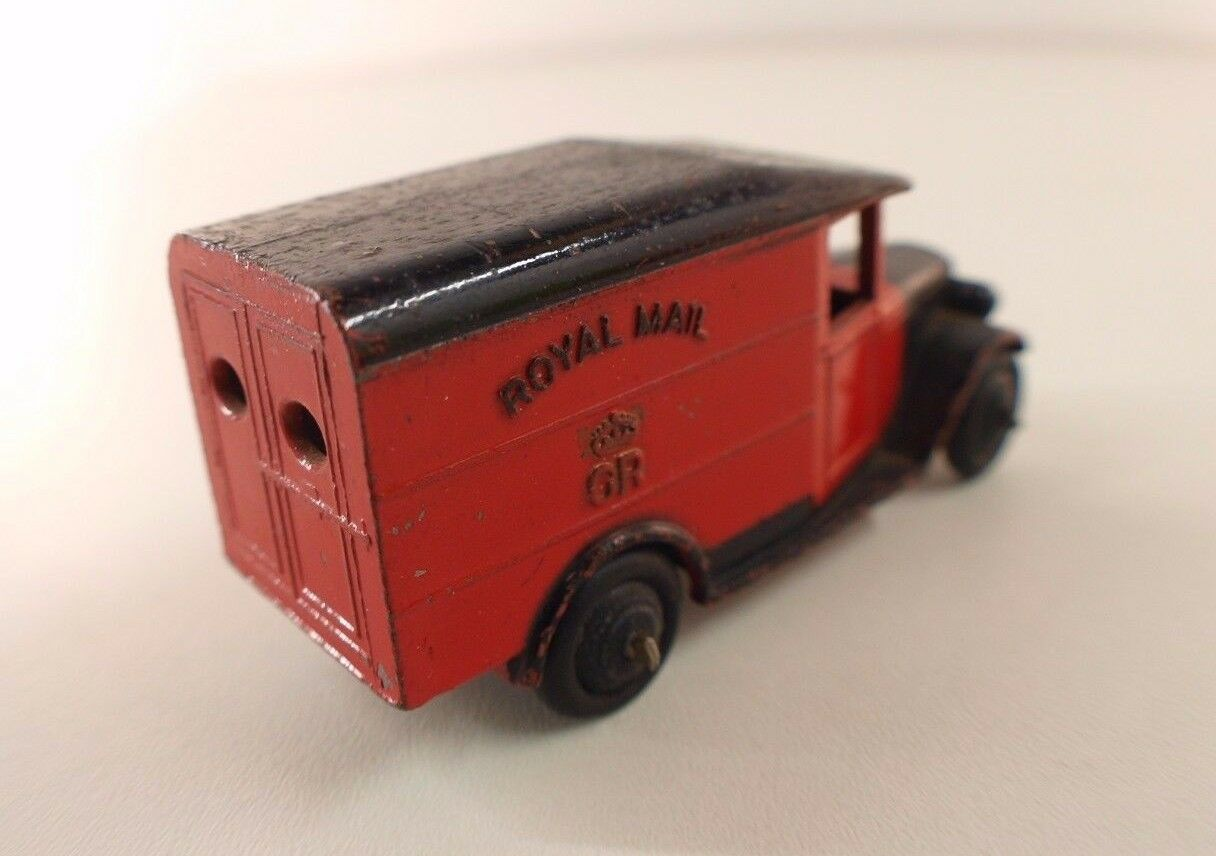 Dinky Toys GB n° 34B fourgon postal  ROYAL ROYAL ROYAL Mail version peu fréquente 649ecd