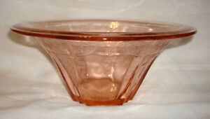Vintage-1931-Anchor-Hocking-Princess-Pink-Depression-Glass-9-Hat-Shaped-Bowl