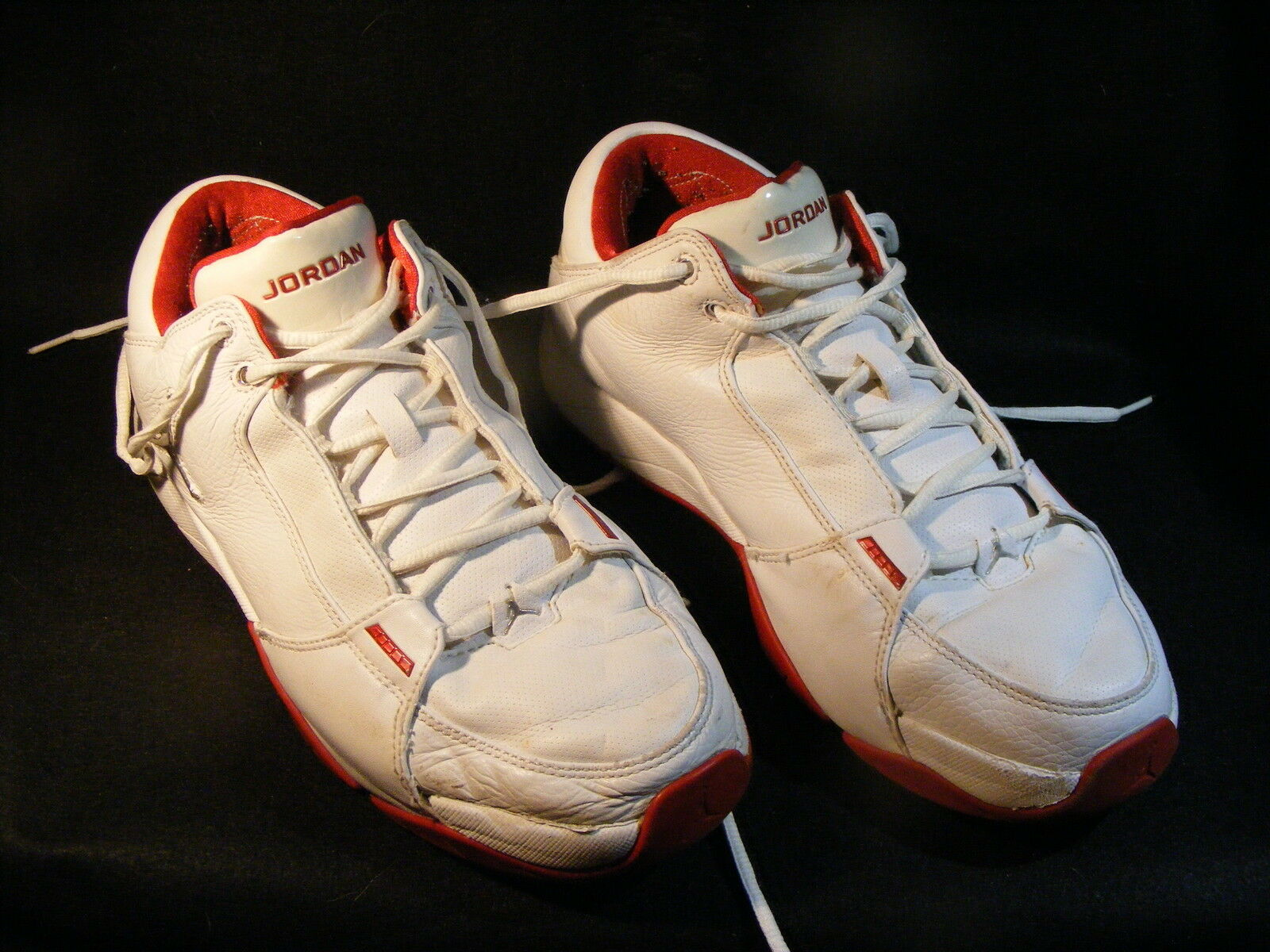 Men's Nike Air Jordan Hoops Low 2006 White/Red Gently Used 314312-102 The most popular shoes for men and women