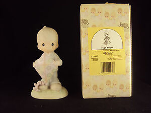 Precious Moments Figurine 521957 ln box High Hopes