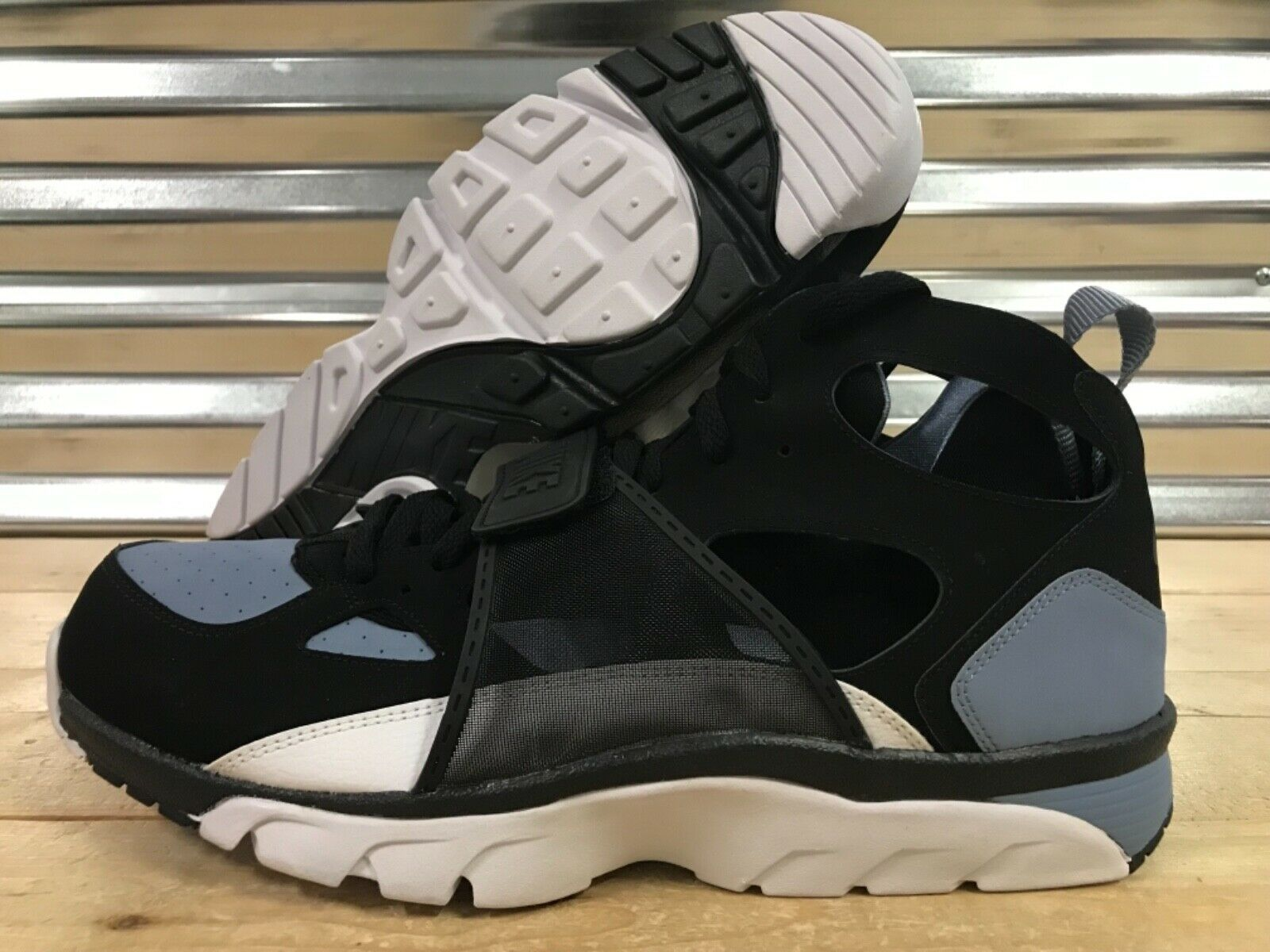 Nike Air Trainer Huarache Mid Running shoes Black Cool bluee SZ 15 ( 679083-016 )