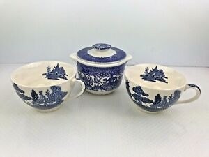 Made-in-England-BLUE-WILLOW-Set-of-2-Tea-Cups-w-Unmarked-Sugar-Bowl-w-LID