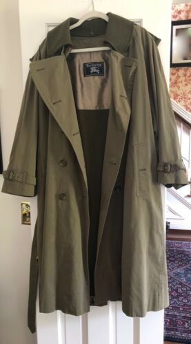 BURBERRY TRENCH RAIN COAT SIZE 40 Short - Olive Gr
