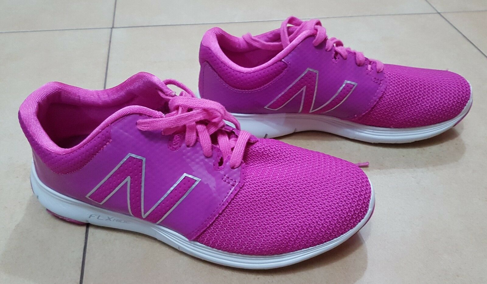 WOMENS NEW BALANCE PINK TRAINERS, SIZE 5 UK, VERY GOOD CONDITION