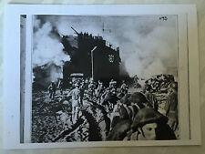 ww2 photo press ,  Debarquement britannique à Salerno  9/9/1943           24