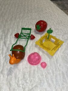 Vintage Strawberry Shortcake Snail And Accessories Ebay