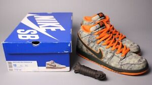 check out 56e5c 42c16 Image is loading Nike-Dunk-Mid-Premium-SB-Realtree-Camo-314381-