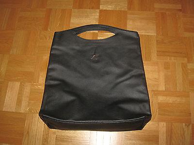 Thierry Mugler Tasche in schwarz mit silbrigem Stern aus Kunstleder