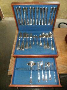 Vintage-rostfrei-emd90-Silber-versilbert-Besteck-82-teilig-Bestecke-mit-Case