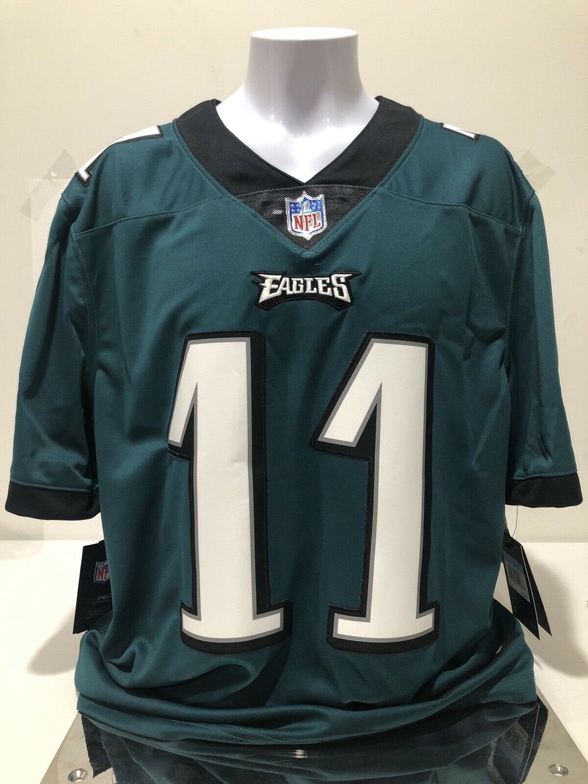Nike NFL Philadelphia Eagles Carson Wentz Vapor Untouchable Limited Jersey M