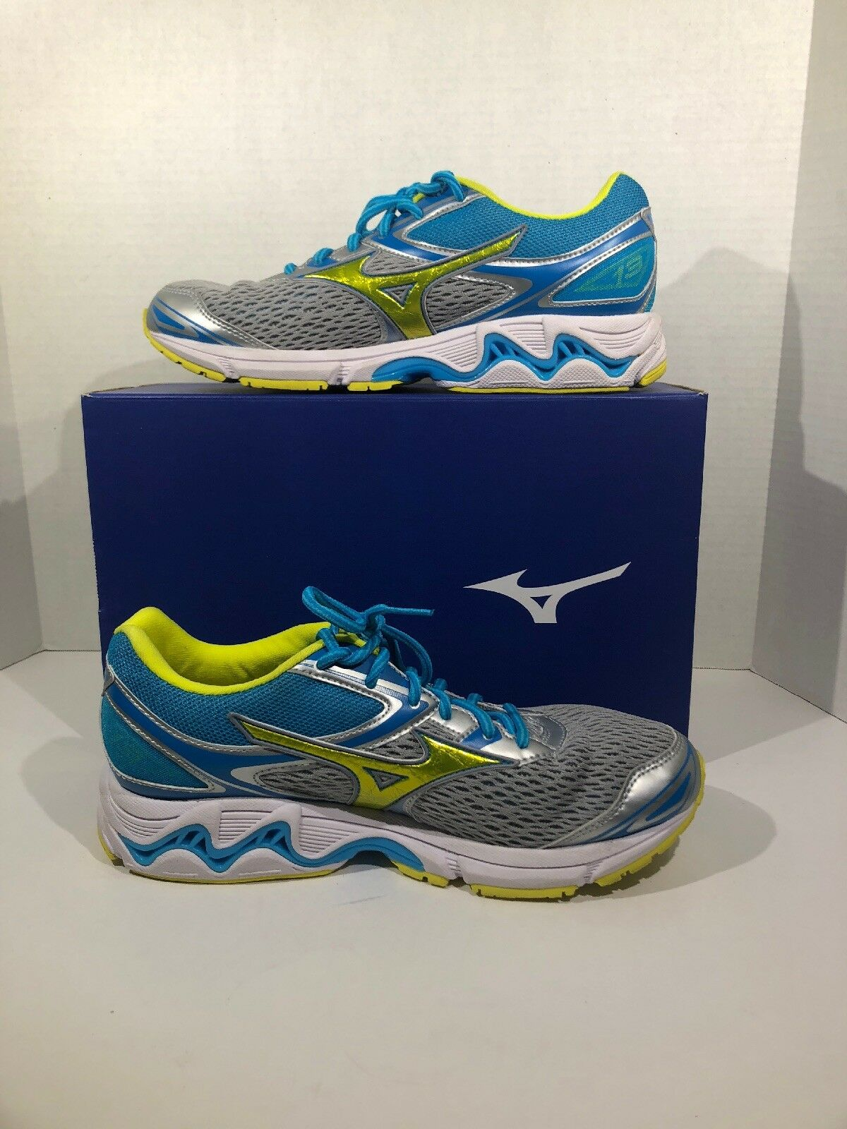 Mizuno Wave Inspire 13 Womens Size 10 Aqua Green Running Sneakers Shoes ZV-1721